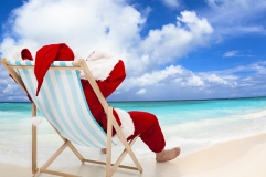 santa-beach-celebrate-christmas-july