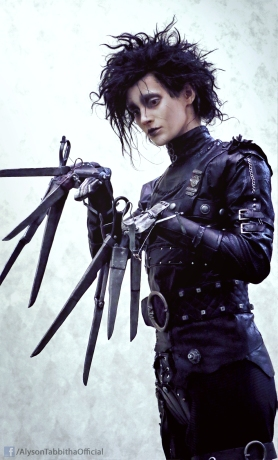 edward_scissorhands_cosplay_by_alysontabbitha-d9l2gx3